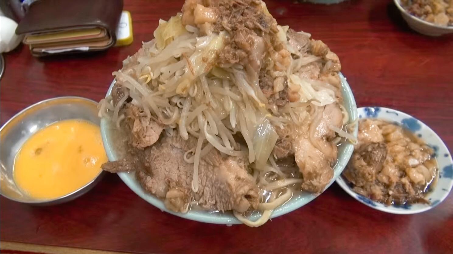 【ラーメン富士丸 神谷本店】国産ブタメン+生卵 (東京都北区神谷) 第49回
