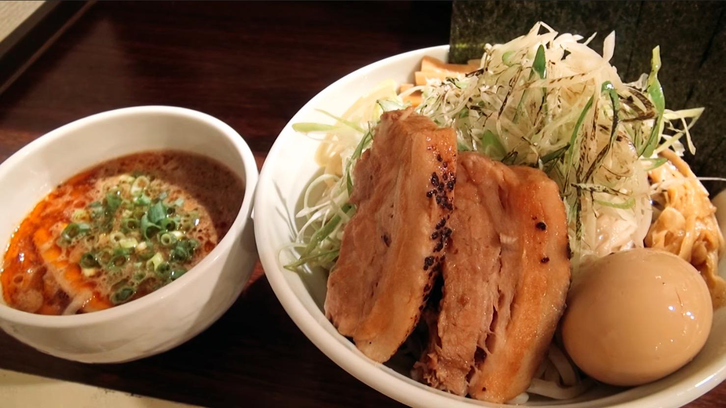 【麺 虎テツ】肉汁鰹つけ麺(特製全部のせ) (東京都多摩市関戸) 第272回