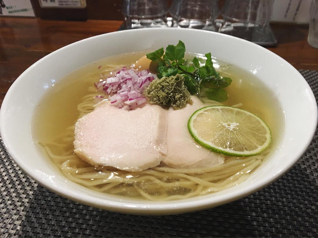 【らぁ麺やまぐち】地鶏と昆布の冷やしそば、トッピング:味玉 (東京都新宿区西早稲田) 第997回