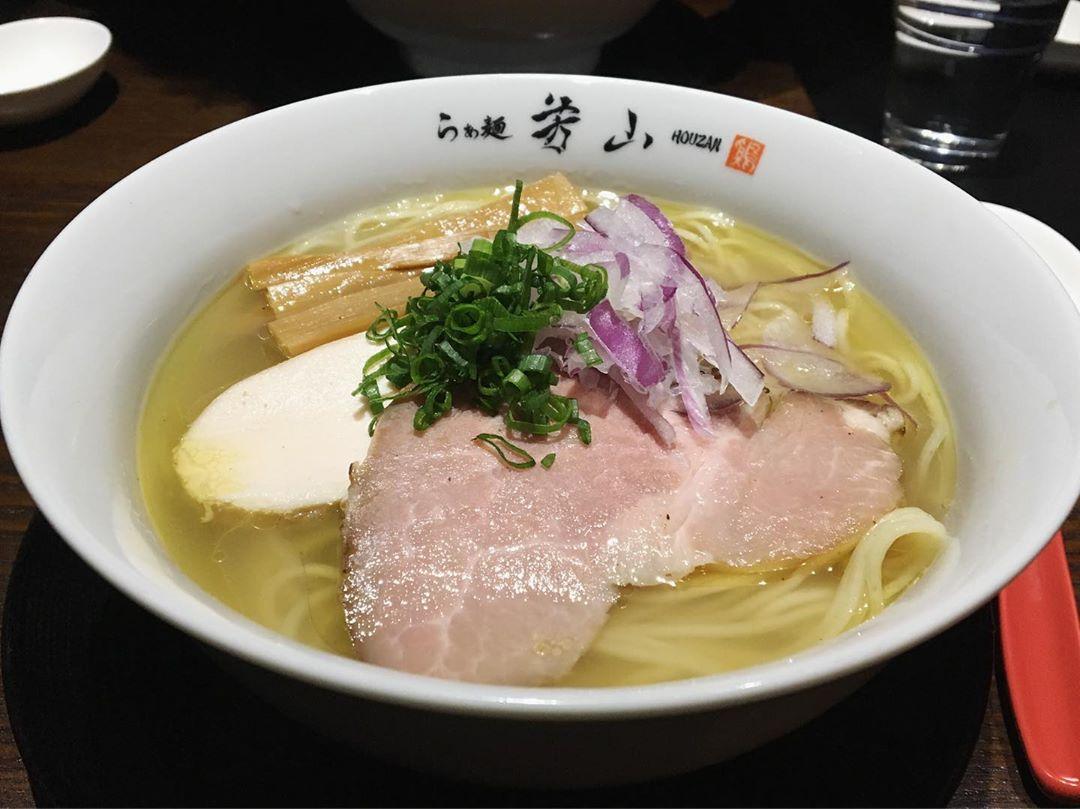 【らぁ麺 芳山(ほうざん)】鶏そば 汐 (愛知県豊橋市つつじが丘) 第1235回