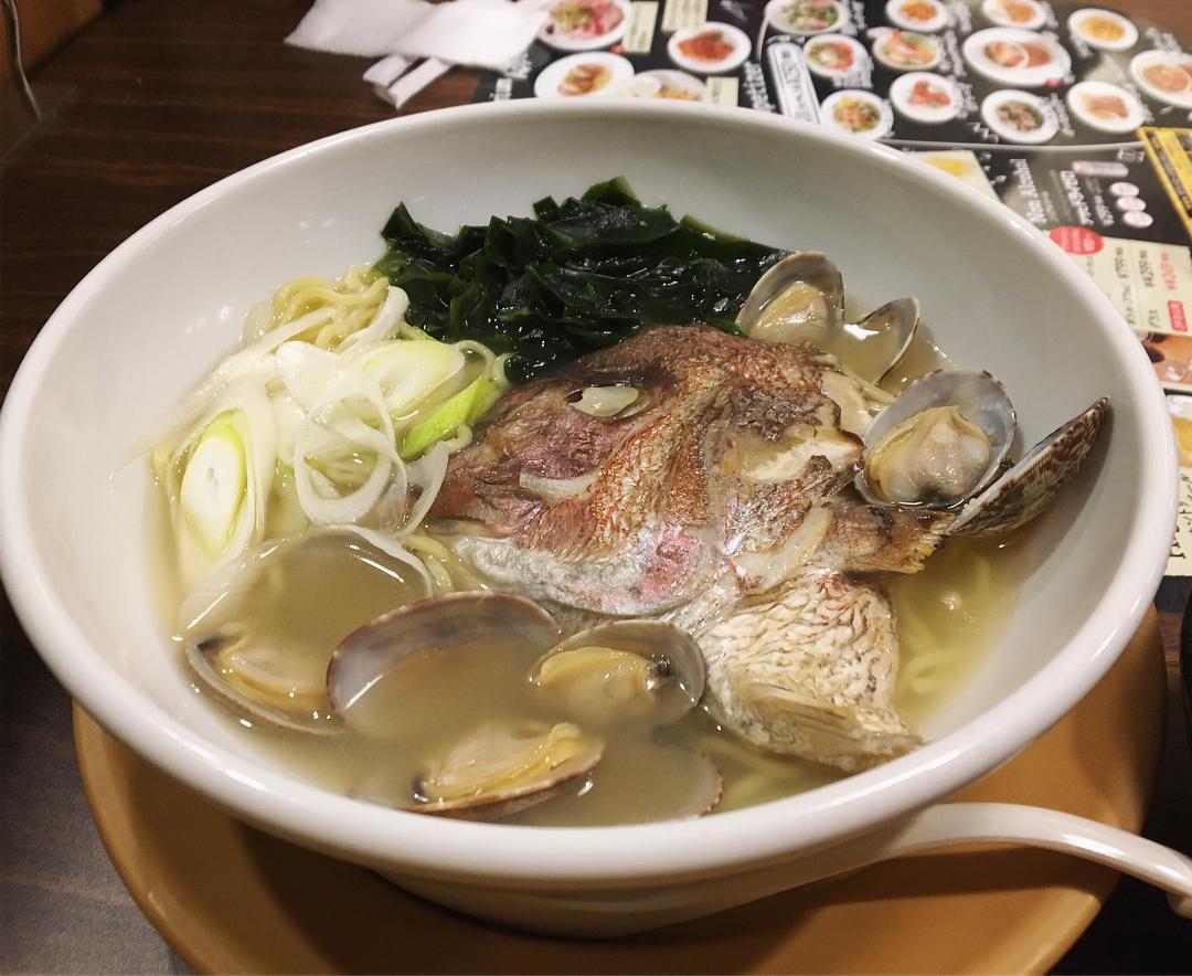 【ジョナサン 麻布十番店】鯛兜とあさりの魚介出汁ラーメン (東京都港区麻布十番) 第858回