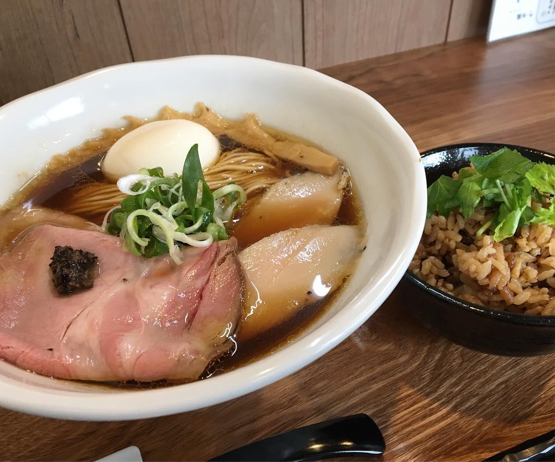 【ラーメン健やか】特製ラーメン (東京都武蔵野市中町) 第660回