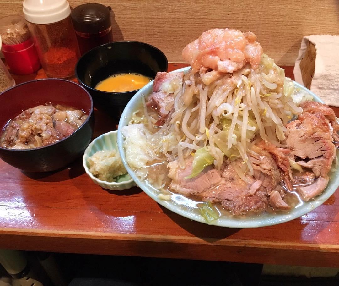 【ラーメン富士丸 西新井大師店】豚+生玉子 (東京都足立区西新井) 第383回