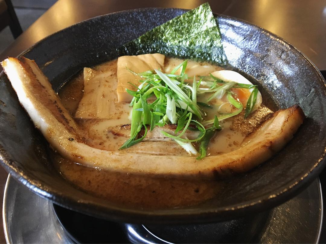 【ラーメン いっとうや】かさね醤油、トッピング:味玉 (新潟県新潟市中央区) 第955回