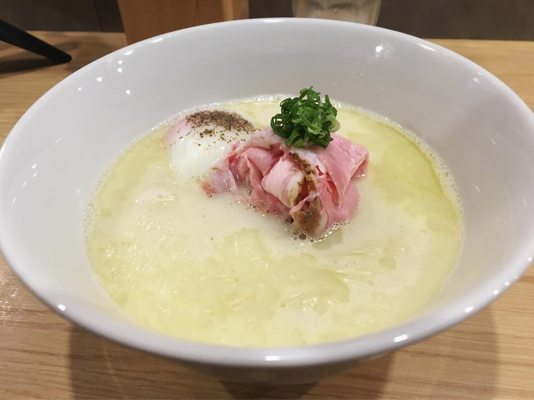 【ラーメンMAIKAGURA】白トリュフオイル香る鶏白湯麺 (東京都世田谷区船橋) 第1040回
