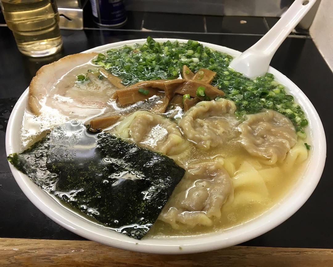 【中華そば 高はし】ワンタン麺 (東京都千代田区飯田橋) 第525回