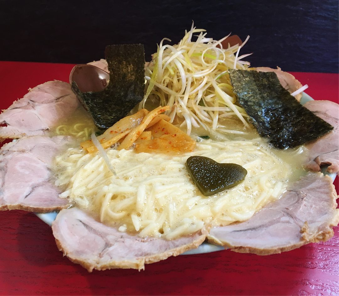 【壱発ラーメン】ネギとろチャーシュー麺(正油) (東京都八王子市万町) 第854回