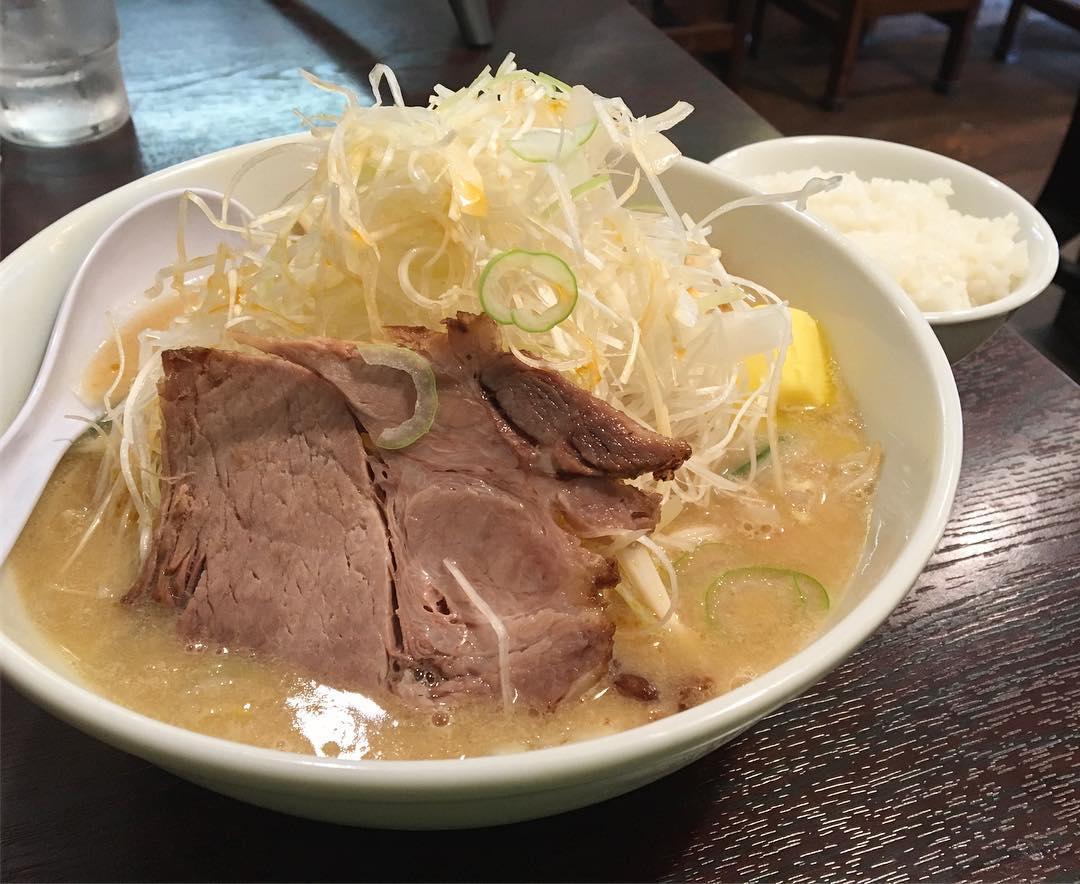 【大慶(だいけい)】みそねぎらーめん(極太麺)、トッピング:バター:味玉 (東京都杉並区阿佐ヶ谷北) 第566回