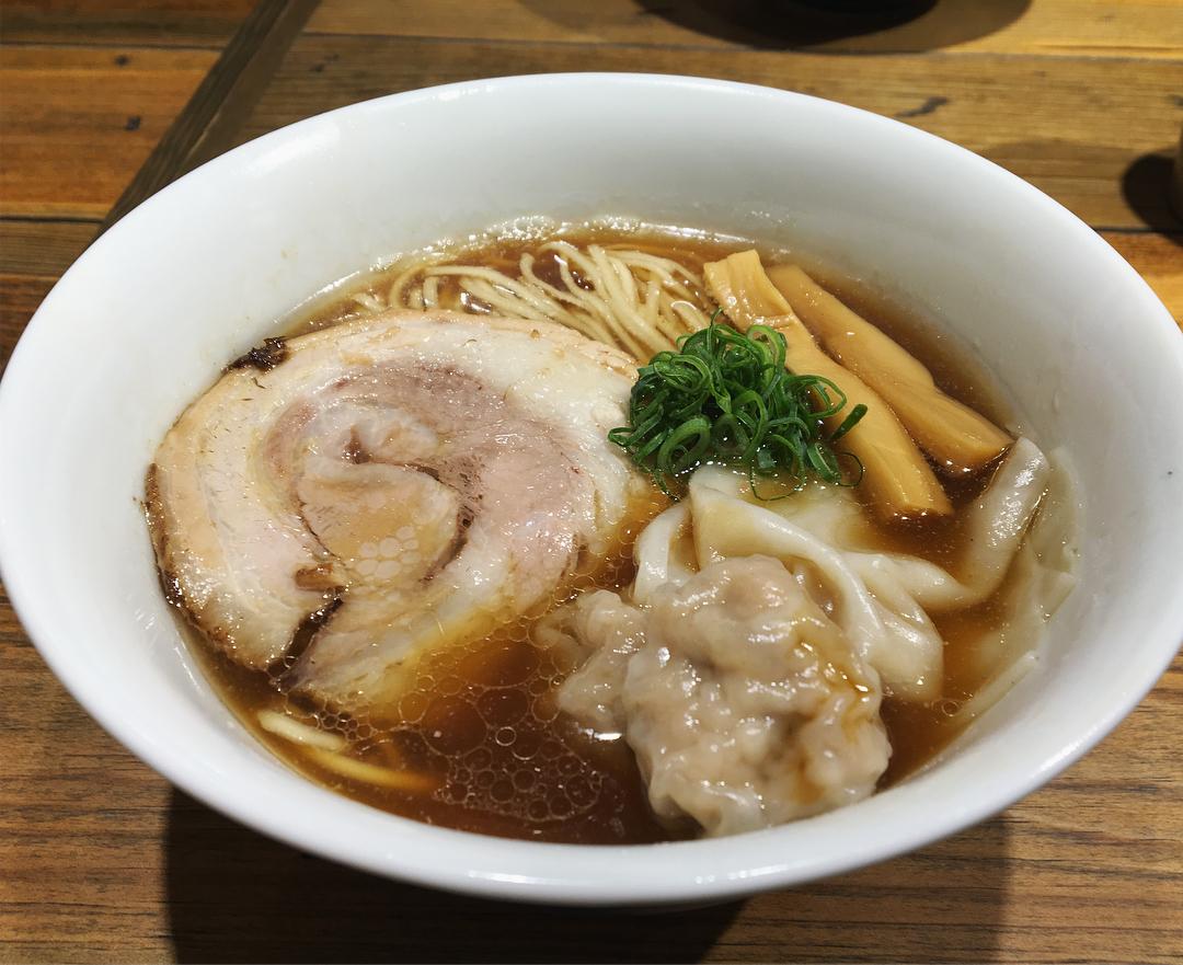 【富田食堂】純粋金華豚ワンタンそば(醤油) (千葉県松戸市松戸) 第878回