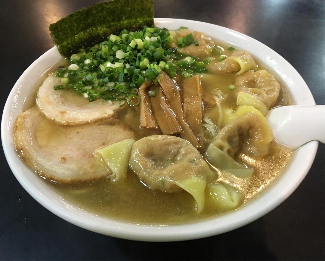 【支那そば屋 こうや】雲呑麺 (東京都新宿区四谷) 第629回