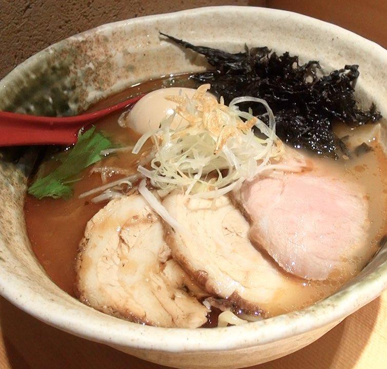【焼きあご塩らー麺 たかはし】得製焼あご塩らー麺 (東京都新宿区歌舞伎町) 第231回