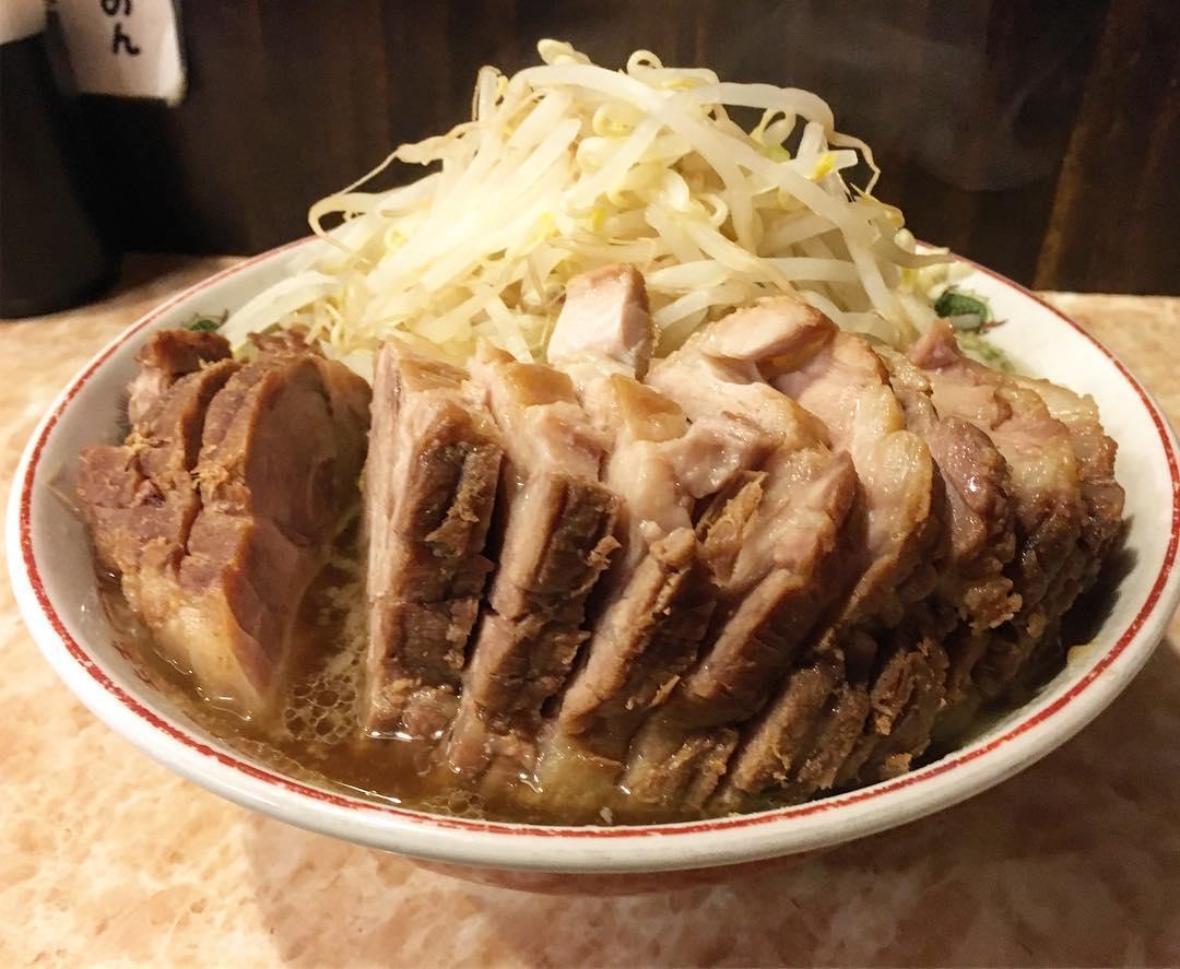 【肉汁らーめん 公(きみ)】らーめん中豚一本+生卵 (東京都品川区北品川) 第418回
