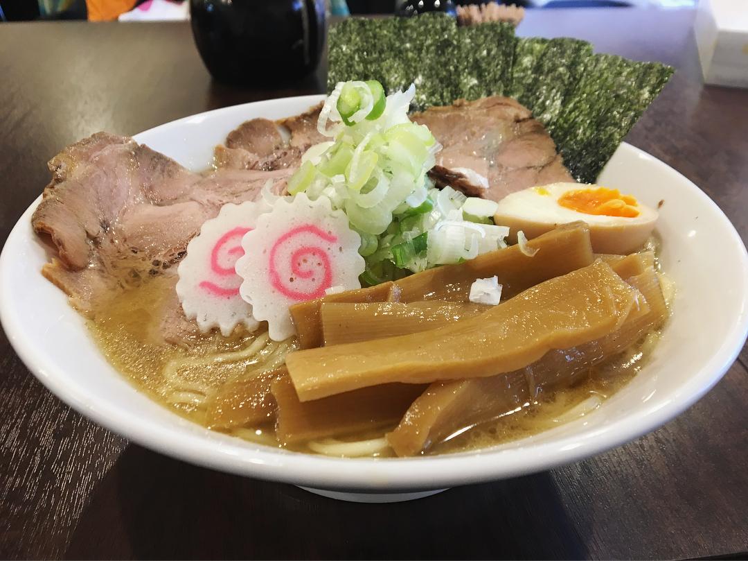 【自家製熟成麺 吉岡】特製ラーメン(濃厚鶏豚スープ) (東京都北区東田端) 第1026回