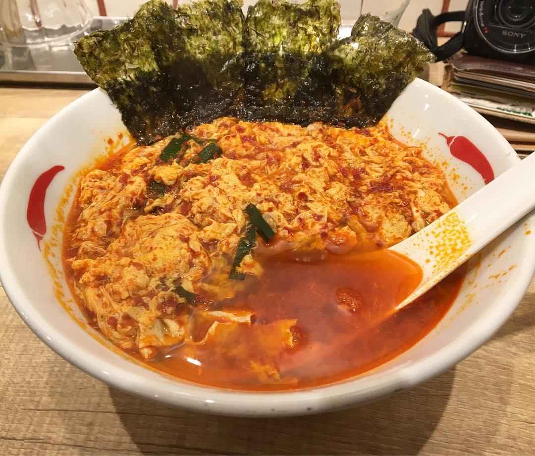 【辛麺屋 一輪】辛麺(10辛)+玉子:韓国のり (東京都目黒区目黒) 第575回