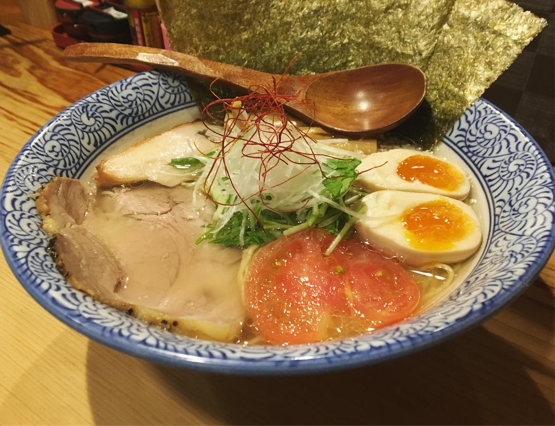 【鶏そば そると】特製そば (東京都世田谷区代沢) 第945回