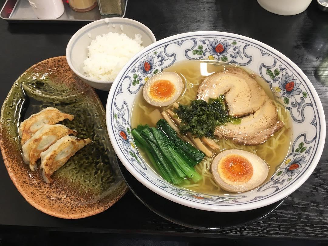 【麺や 暁(あかつき)】塩ラーメン味玉入り (三重県鈴鹿市住吉) 第394回