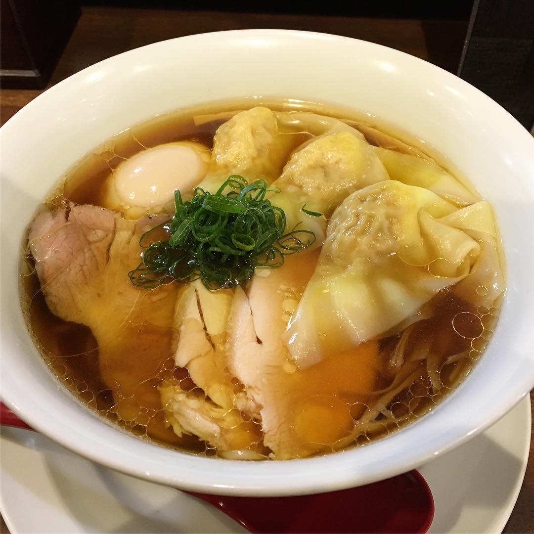 【麺や 維新(いしん)】特醤油らぁ麺 (東京都品川区上大崎) 第556回