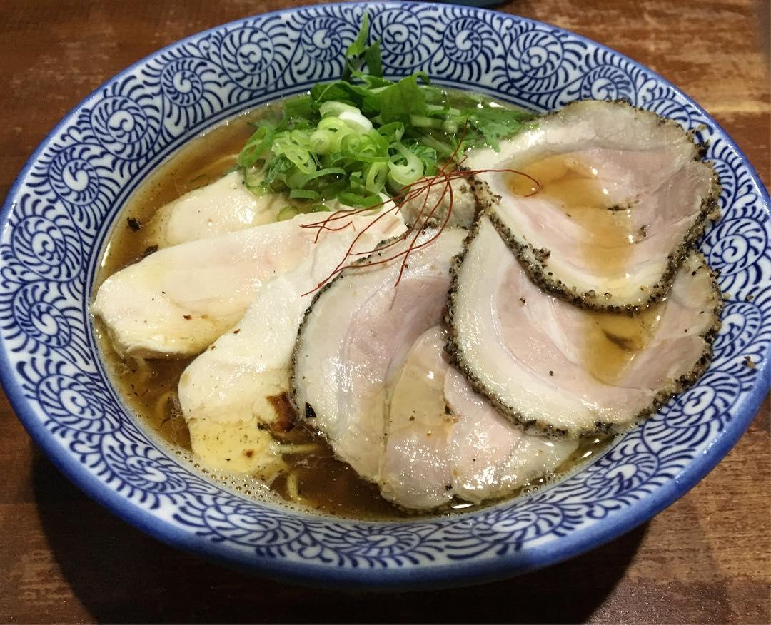 【麺や 而今(じこん)】特製芳醇醤油鶏そば(並) (大阪府大東市灰塚) 第619回