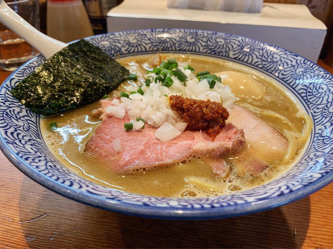 【麺処 ほん田】豚骨魚介味玉ラーメン (東京都北区東十条) 第1278回