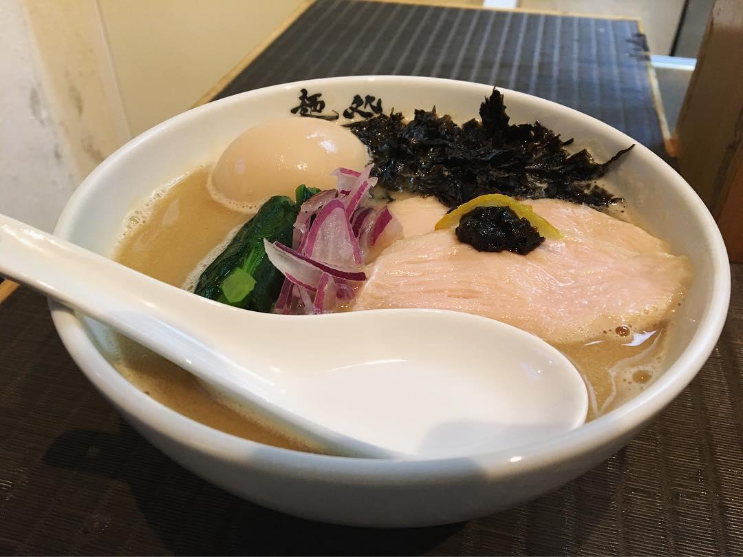 【麺処 以心(いしん)】味玉真鯛ラーメン (東京都新宿区歌舞伎町) 第1048回