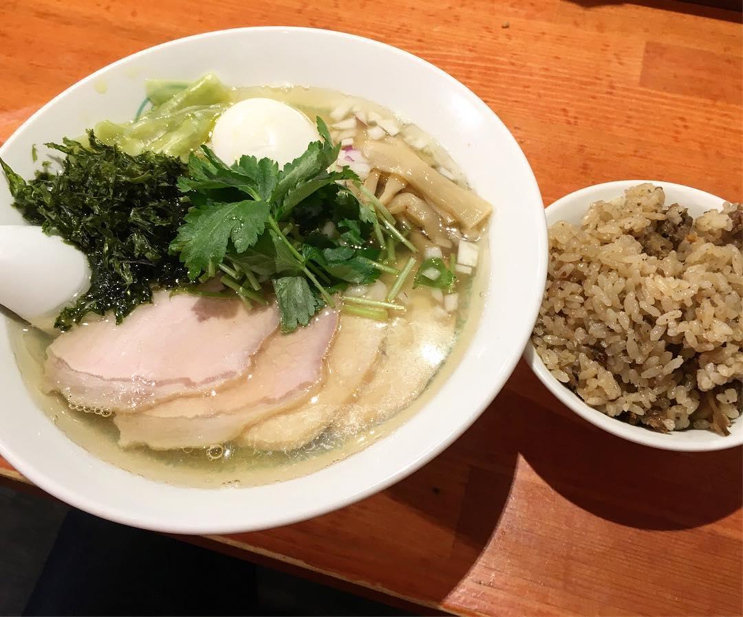 【麺屋 六感堂】特製しおグリーン麺 (東京都豊島区東池袋) 第419回