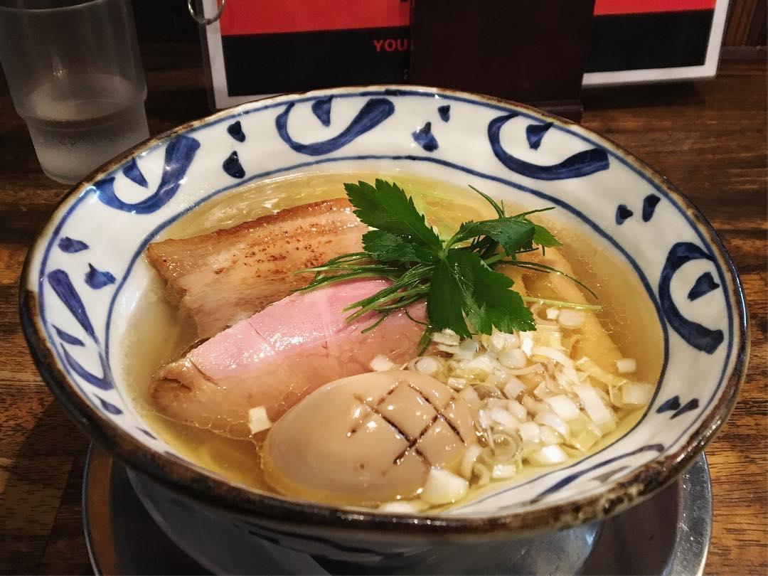 【麺屋 卓朗商店】塩くん玉らぁ麺 (静岡県沼津市日の出町) 第1106回