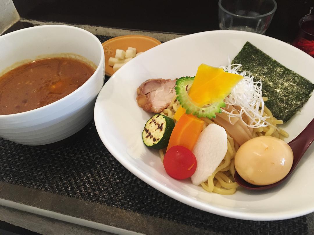 【麺屋 波(WAVE)】カレーつけ麺(中辛)、トッピング:モッツァレラチーズ (神奈川県鎌倉市由比ガ浜) 第995回