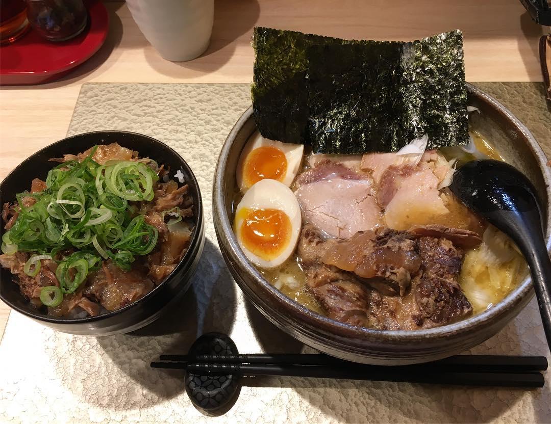 【麺屋 音 別邸】特製 生姜鶏白湯、とろ豚飯 (東京都足立区千住) 第453回
