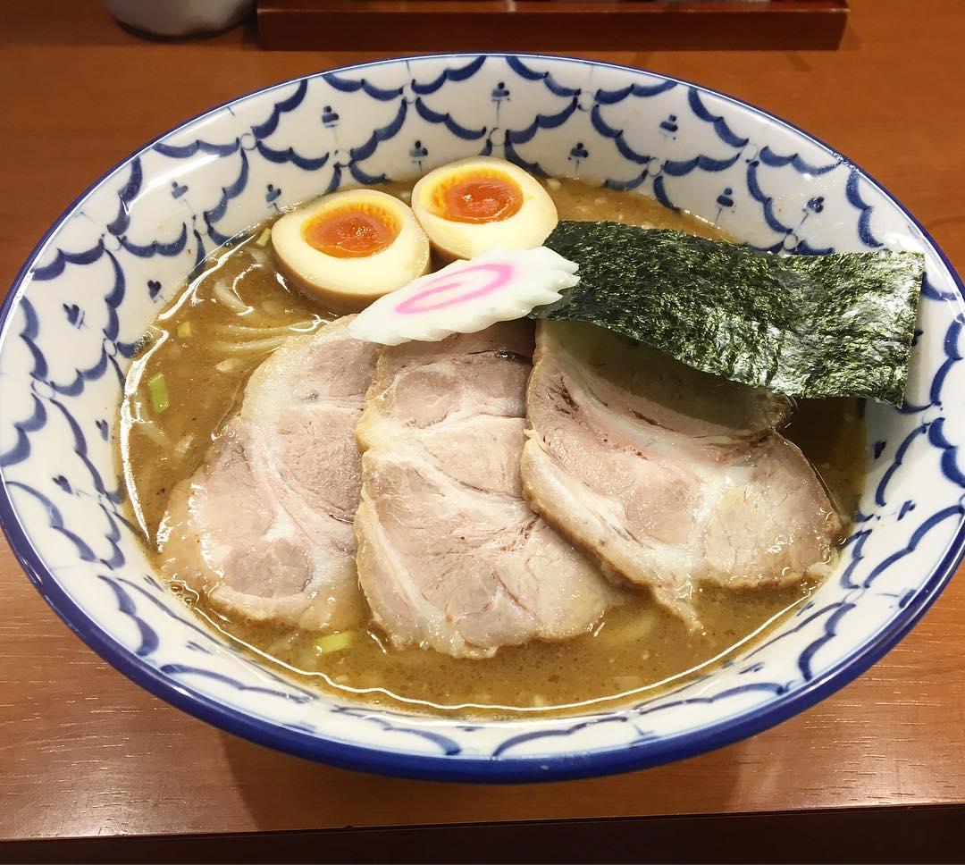 【麺恋処 いそじ】丸得中華そば (東京都渋谷区代々木) 第597回