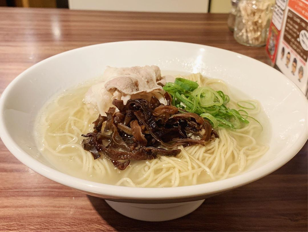 【Noodle Stand Tokyo】透明スープの豚骨ラーメン (東京都渋谷区神宮前) 第1317回