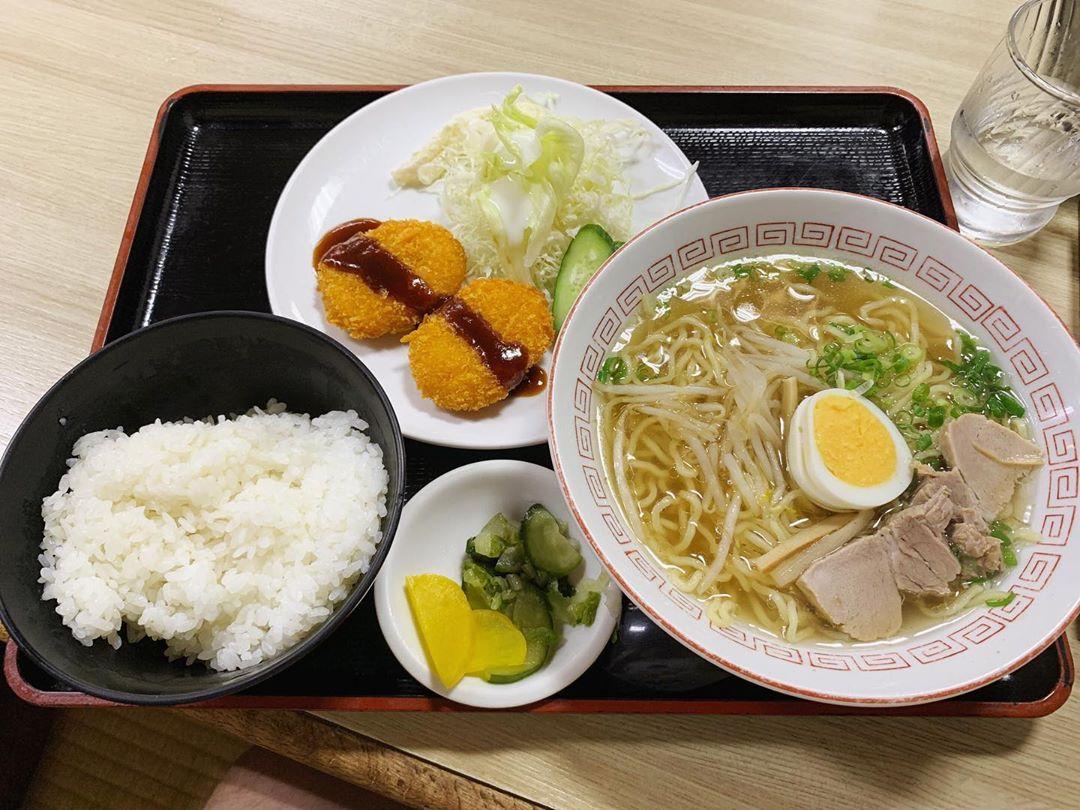【香味徳 赤碕店】牛骨ラーメン定食 (鳥取県東伯郡琴浦町) 第1414回