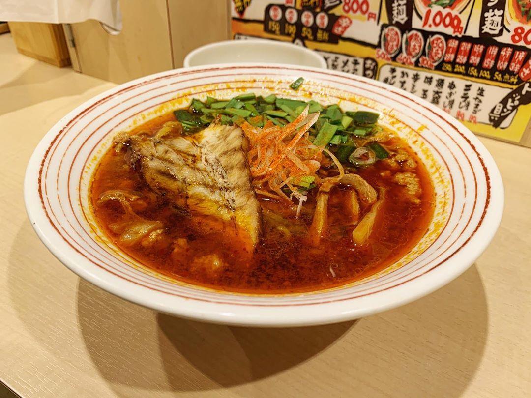 【辛麺屋 辛いち すすきの店】辛いかす麺(3辛)+生卵 (北海道札幌市中央区) 第1492回