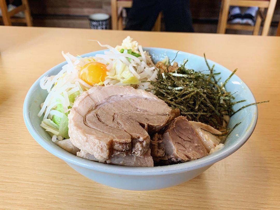 【ら~めん コジマル】まぜそば(醤油)+豚増し:カレー粉 (千葉県茂原市八千代) 第1521回
