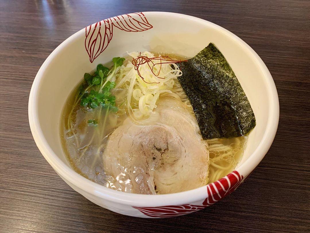 【麺処 あす花】貝出汁白醤油らーめん (東京都千代田区西神田) 第1551回